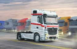 MERCEDES BENZ MP4 BIG SPACE. SKALA 1/24