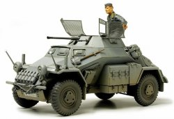 GERMAN Sd.Kfz.222 w/PHOTO ETCHED PARTS. MED 1 FIGUR. SKALA 1/35