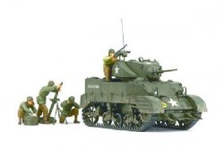 US LIGHT TANK M5A1 MED 4 FIGURER. SKALA 1/35