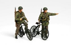 BRITISH PARATROOPERS + BICYCLES SET. SKALA 1/35