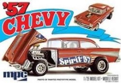 1957 CHEVY FLIP NOSE SKALA 1:25